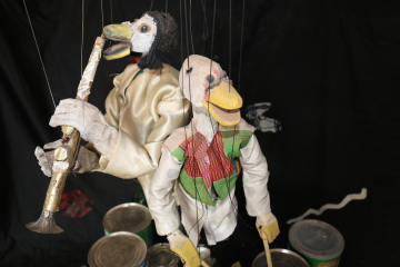 Performance of Ghana's duck puppeteer